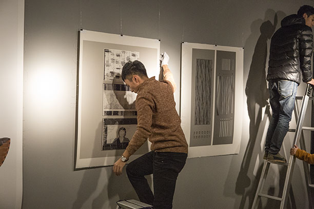 Hanging of prints by Peer Bode