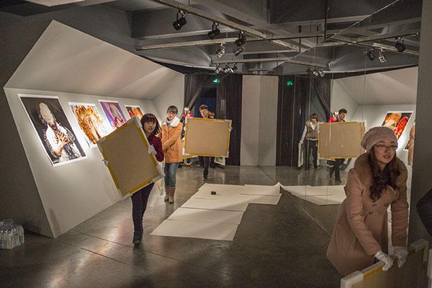 Jilin University students delivering prints